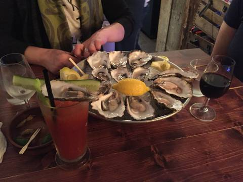 Image Title: Oysters on the Half-Shell at Klaw in Dublin [Photo: Open Door Travelers]