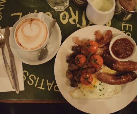 Image Title: Traditional Irish Breakfast [Photo: Open Door Travelers]